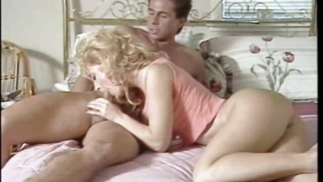 Chick Dainty film porno kabyle impressionne un mec avec son corps