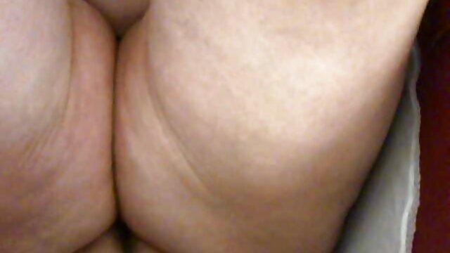 Ado et plantureuse Kitty Jane video xxxx porno en solo