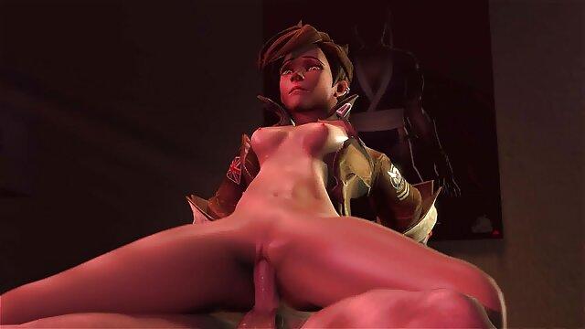 Deux phallus dans les trous d'une secrétaire ophelie bau naked aux gros seins