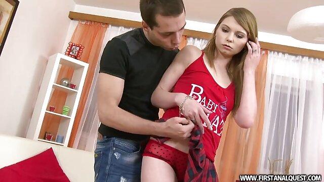 L'amant noir de maman porno hd+ baise une jeune blonde avec une grosse bite