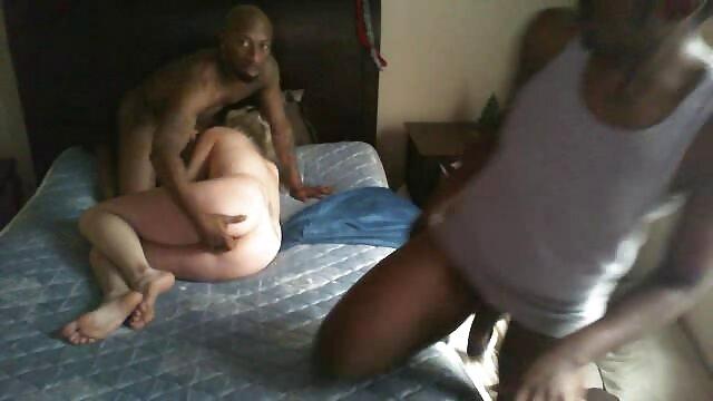Montre film porno complet son cul rond