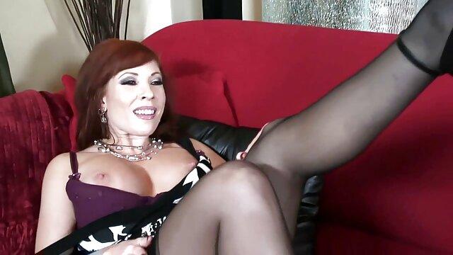 Une salope mature a rendu porno haoussa deux mecs heureux