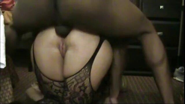 Une excellente vidéo d'une soirée sexe où il y avait des filles sexy et chaudes, de vrais modèles et des amateurs d'orgie. Ils remplaceront volontiers leurs chattes plage nudiste porno excitées par le plaisir