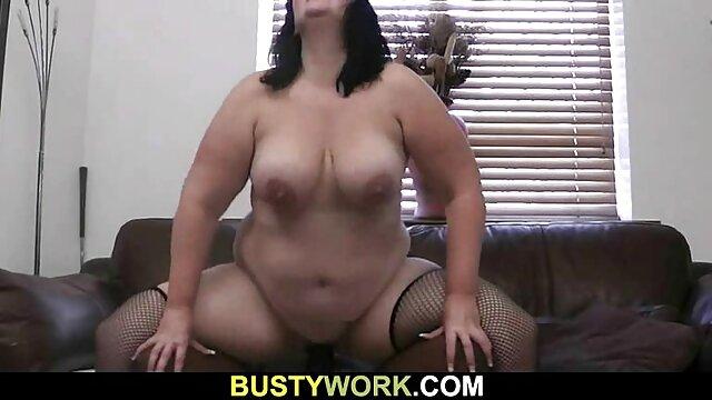 Jeune porn classic hd blonde suce une grosse bite puis la baise